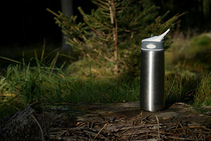 A stainless steel reusable water bottle is the perfect travel companion for the eco-friendly traveller. This is just one step to designing a green holiday.